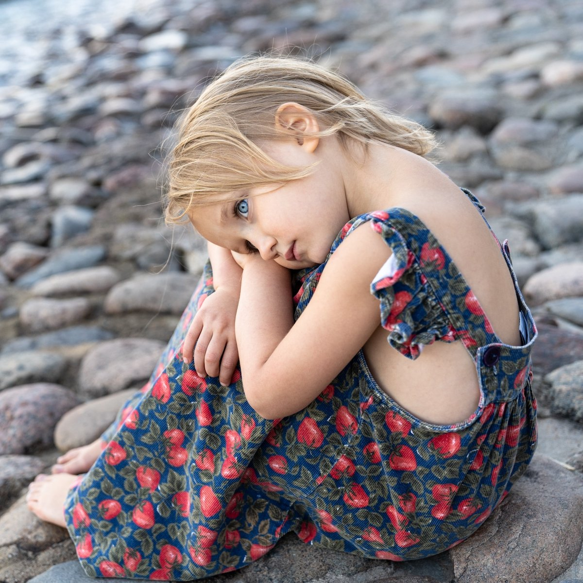 Anxious young girl in anxiety therapy.